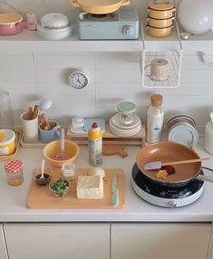 Korean Apartment, Korean Kitchen, Pastel Room, Minimalist Room, Cute Kitchen, Aesthetic Room Decor, Room Ideas Bedroom, Apartment Interior, Apartment Kitchen