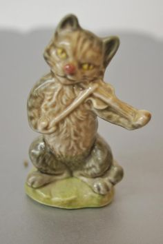 Cat and the Fiddle Miniature Figurines, Collectible Figurines, Nursery Rhyme Characters, Red Rose Tea, Thrift Shop Finds, Tea Box, Vintage Cat, My Childhood Memories, Nursery Rhymes