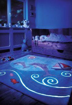 Tapis Kids Line ~ Glowy luminescent Bleu Spirit - Arte Espina Ocean Rug, Deco Marine, Childrens Rugs, Dark Carpet, Kids Line, Delphine, Modern Area Rugs, Modern Kids, Animal Pillows