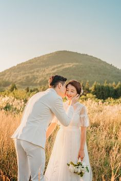 Wedding Photoshoot, Wedding Pics, Wedding Couples, Wedding Styles, Dream Wedding, Pre Wedding Poses, Pre Wedding Shoot Ideas, Korean Wedding Photography, Couple Photography