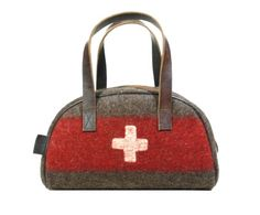 Swiss Army Blanket Bowling / Travel Bag by PhilosophieBySophie, €119.00