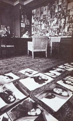 Diana Vreeland's Vogue office (1962-1971): red walls & leopard print carpet