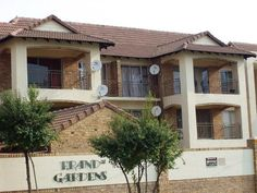 2 bedroom Apartment Flat For Sale in Midrand for R 710 000 with web reference 102764067 - Smith Anderson Realty