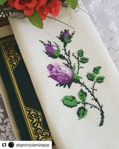 #Repost @etamincieminece (@get_repost) ・・・ Hayırlı huzurlu cumalar🌷🌸🌹 #evimpiko #evimpiko_hobi_sayfam #evimpiko_model_sayfam Cross Stitch Borders, Cross Stitch Rose, Cross Stitch Bookmarks, Cross Stitch Flowers, Cross Stitch Designs, Cross Stitching, Cross Stitch Patterns, Crewel Embroidery, Cross Stitch Embroidery