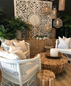 Junina party decoration: 80 inspirations to hit the right choice - Home Fashion Trend Morrocan Interior, Morrocan Decor, Balinese Decor, Interior Design Living Room, Living Room Decor, Bedroom Decor, Design Tropical, Bali Style Home, Bali Decor