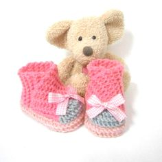 Chaussons bébé tricotés roses à fermeture croisée 0/1 mois Tricotmuse : Mode Bébé par tricotmuse