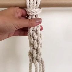 The crown knot 👑 This is how I tie it while hanging 🤗 Start at the front, take your cord and place it underneath the cord to the right,… Macrame Wall Hanging Diy, Macrame Plant Holder, Macrame Art, Macrame Design, Macrame Projects, Weaving Loom Diy, Hand Weaving, Peter Walsh, Micro Macramé