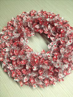 Origami Paper Flower Wreath / Chrismas decorations, origami wreath, paper flower wreath, kusudama, paper wreath, paper flowers, paper bouquet