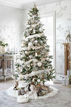 White & Silver Christmas Tree #christmas #christmastree #winterwonderland