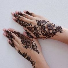 Apply these best Party Mehndi design that helps in bringing out your beauty. Here are Some Trendy and stylish Party Mehndi Designs. Henna Hand Designs, Eid Mehndi Designs, Mehndi Designs Finger, Mehndi Designs For Fingers, Mehndi Design Pictures, Stylish Mehndi Designs, Latest Mehndi Designs, Henna Tattoo Designs, Arabic Henna Designs