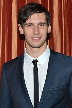 """A Riddle And An Enigma: Cory Michael Smith's 'Riddler' Promoted To Series Regular In """"Gotham"""""""