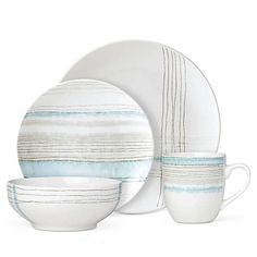 Lenox draws inspiration from classic menswear and transforms casual dining with the chic Woven Stripes Collection. Crafted in durable stoneware that is dishwasher and microwave safe, this stylish dinnerware brings rich, fresh color to your table. Plastic Dinnerware, Porcelain Dinnerware, Pottery Painting Designs, Paint Designs, Casual Dinnerware, Kitchenware, Tableware, Ceramic Painting, The Chic