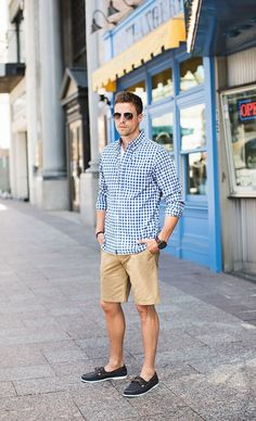This Mens summer casual short outfits worth to copy 12 image is part from 75 Best Mens Summer Casual Shorts Outfit that You Must Try gallery and article, click read it bellow to see high resolutions quality image and another awesome image ideas. Boat Shoes Outfit, Casual Shorts Outfit, Casual Outfits, Men Casual, Blue Outfits, Men's Outfits, Smart Casual, Casual Outfit For Men, Travel Outfits