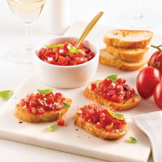 Bruschettas classiques - Je Cuisine Antipasto, Croutons Maison, Brunch, Food And Drink, Appetizers, Snacks, Dinner, Cooking, Healthy