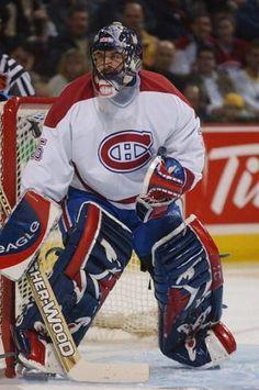 Stéphane Fiset a été sélectionné en 2e ronde par Québec, le 24e choix au total lors du repêchage de 1988. Il a remporté la coupe Stanley en 1995-1996 avec Colorado. Après quelques saisons avec les Kings de Los Angeles, il a été échangé aux Canadiens contre des considérations futures le 19 mars 2002. Au cours de son séjour avec les Canadiens, Stéphane Fiset a disputé trois parties avec le Tricolore, au cours desquelles il a cumulé une fiche de 0-1-0. Il a pris sa retraite le 9 septembre 2002. Hockey Goalie, Field Hockey, Hockey Teams, Hockey Players, Ice Hockey, Montreal Canadiens, Tampa Bay Lightning, Los Angeles Kings, National Hockey League