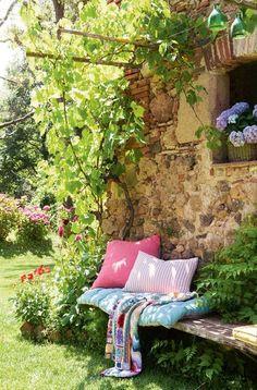 5 living tips: garden beds in the backyard Garden pallets Flower pallets Garden ideas for Garden Nook, Garden Cottage, Garden Beds, Home And Garden, Summer Garden, Box Garden, Corner Garden, Garden Studio, Garden Living