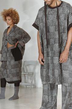 Fashion News, Fashion Beauty, Fashion Show, Mens Fashion, Black Fashion Designers, Celebrity Style, Ready To Wear, Kimono Top, Runway