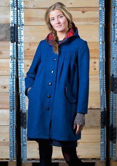 IDEA 15: TAKKI KIERRÄTYSKANKAASTA Globe Hopen Tukki-takki, malli: Suuri Käsityölehti 9 / 2013