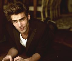 Jon Kortajarena- Fluffy hair and chiselled features.