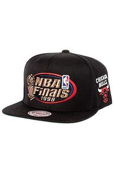 Mitchell   Ness Men s Chicago Bulls 1998 NBA Finals Commemorative Snapback  Hat 40b4822eb08a