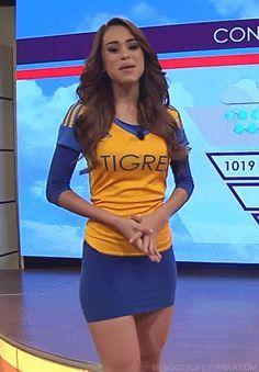 Yanet Garcia aficionada de Tigres de Mexico