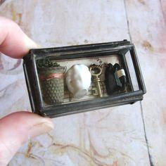 ♡ ♡ - Caja de Cristal Assemblage Curiosidad Arte Objeto
