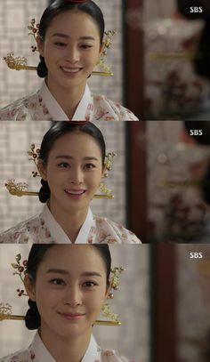 Traditional Korean Hair Accesories in Jang Ok Jung were so beautiful