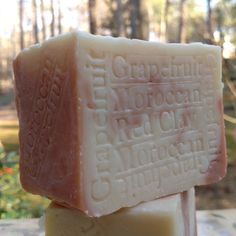 Organic Grapefruit soap - Get clean daily the natural way with citrus handmade soaps Wonderful Citrus Soaps Made With The Best Citrus Oils Available Read more information on unique varieties of citrus soap that may just reinvent your morning shower. Regular use of Natural Artisan Soap from citrus essential oils ,  helps protect the skin from sun damage and lightens age spots..http://www.naturalhandcraftedsoapcompany.com/South-African-Grapefruit-with-Moroccan-Red-Clay-p/soap-2grapefruit.htm