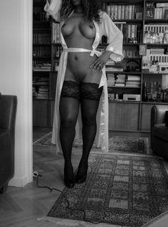 Escort blackgirl in paris