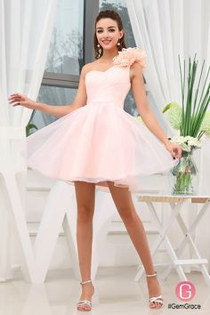 Only $89.9, Bridal Party Dresses A-line One-shoulder Short Organza Homecoming Dress With Flowers #OP3363 at #GemGrace. View more special Bridal Party Dresses,Special Occasion Dresses,Bridesmaid Dresses,Homecoming Dresses now? GemGrace is a solution for those who want to buy delicate gowns with affordable prices, a solution for those who have unique ideas about their gowns. 2018 new arrivals, shop now to get $10 off!