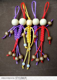 Most current Pictures Macrame keychain doll Tips macrame dolls – Lynne Funk – Macrame Knots, Micro Macrame, Macrame Jewelry, Macrame Bracelets, Macrame Art, Bead Crafts, Diy And Crafts, Crafts For Kids, Arts And Crafts