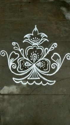 Rangoli Designs Latest, Rangoli Designs Flower, Rangoli Border Designs, Rangoli Designs Diwali, Rangoli Designs With Dots, Rangoli Designs Images, Kolam Rangoli, Flower Rangoli, Beautiful Rangoli Designs