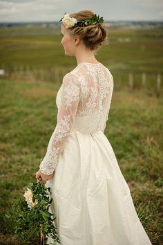 Vintage lace wedding dress by Rue de Seine #vintage #lace #bride