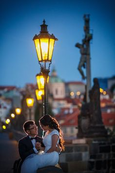 Pre Wedding Best of in Prague: The Charles Bridge: http://pragueweddingphotography.com