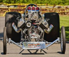 History - Drag cars in motion. Top Fuel Dragster, Nhra Drag Racing, Old Race Cars, Vintage Racing, Vintage Auto, Retro Vintage, Automobile, Drag Cars, Car Engine