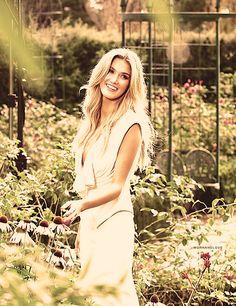 Delta Goodrem-prettiest girl ever <3