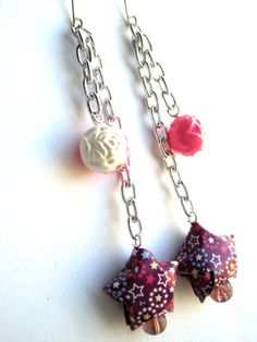 Origami paper star earrings with offset dangling vintage roses