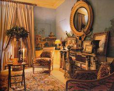 Sitting room in Oscar de la Renta's NY apartment. Photo by Roberto Schezen