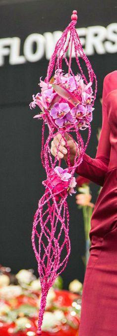 Niina Minkkinen • #Bruidsboeket #trouwen #bloemen #inspiratie www.trouwbeursalkmaar.nl
