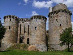 Château de TonquédecCôtes-d'Armor-BretagneFrance48.67667,-3.41167