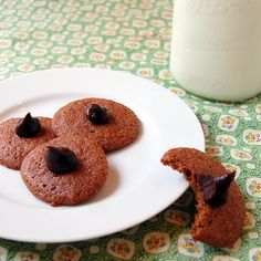 1929 Chocolate Cookies from It's Not Easy Eating Green