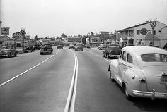 Crenshaw Boulevard south of Stocker Street in May 1947. Bizarre Los Angeles (LAPL 00104398)
