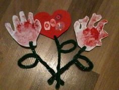 The Best Toddler Crafts: Valentines Foam flowers