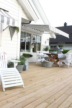 Black and white awning Outdoor Retreat, Outdoor Rooms, Outdoor Gardens, Outdoor Living, Outdoor Decor, Outdoor Sofa, Beach House Deck, Beach Patio, Terrace Roof