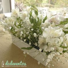 #centro de mesa con #flores #alstroemerias y #gypsophilas #casamiento #15años #cumpleaños