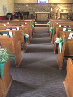 These paper cones looked great down an aisle for a ceremony! #willowspecialtyflorist