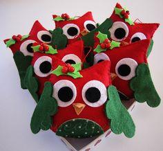 ♥♥♥ Christmas owls from felt Felt Christmas Decorations, Felt Christmas Ornaments, Christmas Makes, Christmas Animals, Christmas Diy, Owl Crafts, Christmas Crafts, Lavender Crafts, Felt Owls