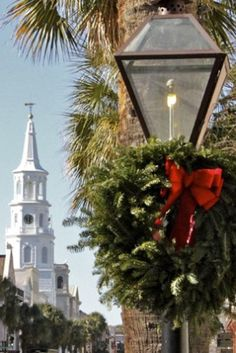 Christmas in Charleston!  Charleston is on our bucket list. Up in May. Can't wait!