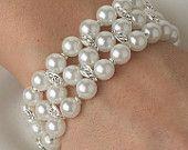 Wedding Bracelet, Elegant White Pearl and Silver Rhinestone Stretch Bridal Bracelet, Bridesmaid Gift Bridal Jewelry, Diy Jewelry, Vintage Jewelry, Pearl And Lace, Pearl White, Wedding Bracelet, Silver Rhinestone, Romantic Weddings, Bridesmaid Gifts