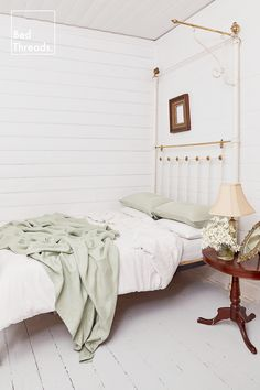 A cosy country bedroom with Sage & White linen bedding, a vintage bedframe and vintage lamp. Room Ideas Bedroom, Home Bedroom, Bedroom Decor, Bedroom Inspo, Bedrooms, Dream Rooms, Dream Bedroom, Cute Room Decor, Cottage